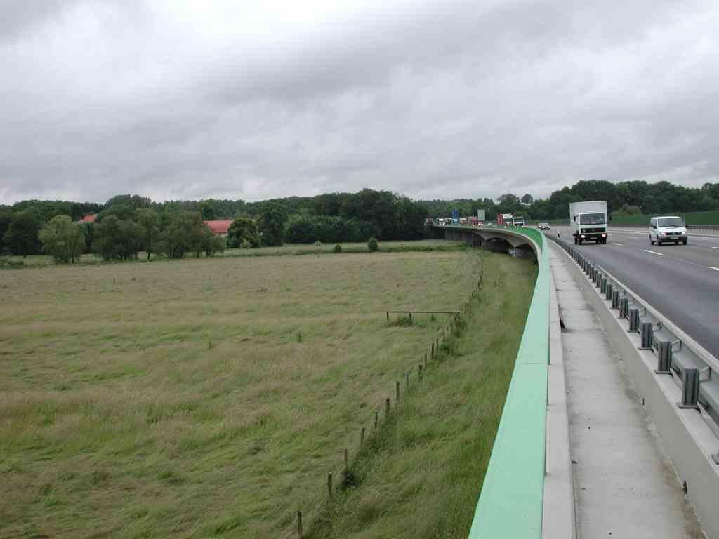 Unterbruch – Eisenbahn und Autobahn zerschneiden die Ruhraue in Schwerte in mehrere Schnipsel