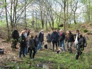 Die Exkusionisten zeigten reges Interesse am Naturschutzgebiet Ebberg.