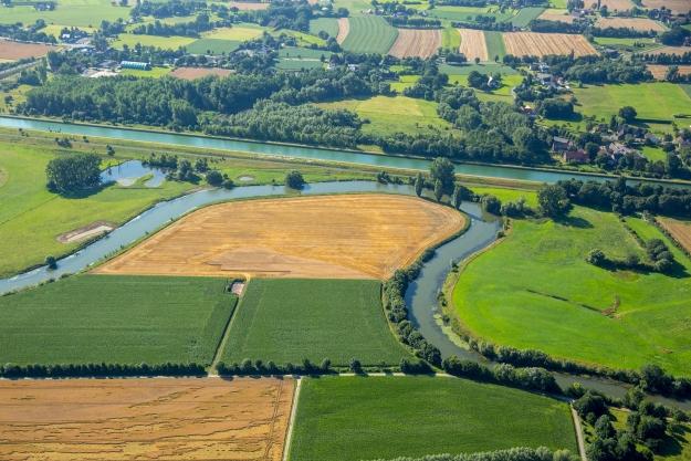 Vogelperspektive die 1. - Blick auf die Lippeschleife östlich der A1 (Foto: Christian Mantel)